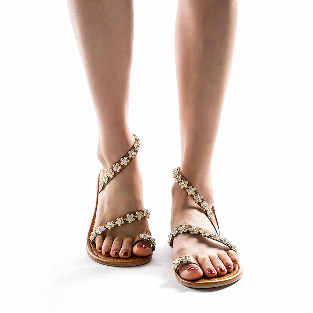 สตรีสุภาพสตรีฤดูร้อนแบนคริสตัลรองเท้าแตะรองเท้าแตะโรมันรองเท้าชาติพันธุ์ rhinestones รองเท้าแบนรองเท้าชายหาดโรมันทราย