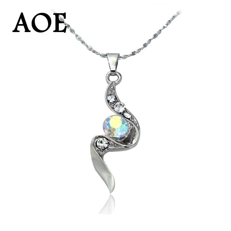 ef9a0bf62791 Alta calidad 2017 nueva moda plata plateada cristal rhinestone COLLAR  COLGANTE para las mujeres collar clásico de la boda regalo de joyería