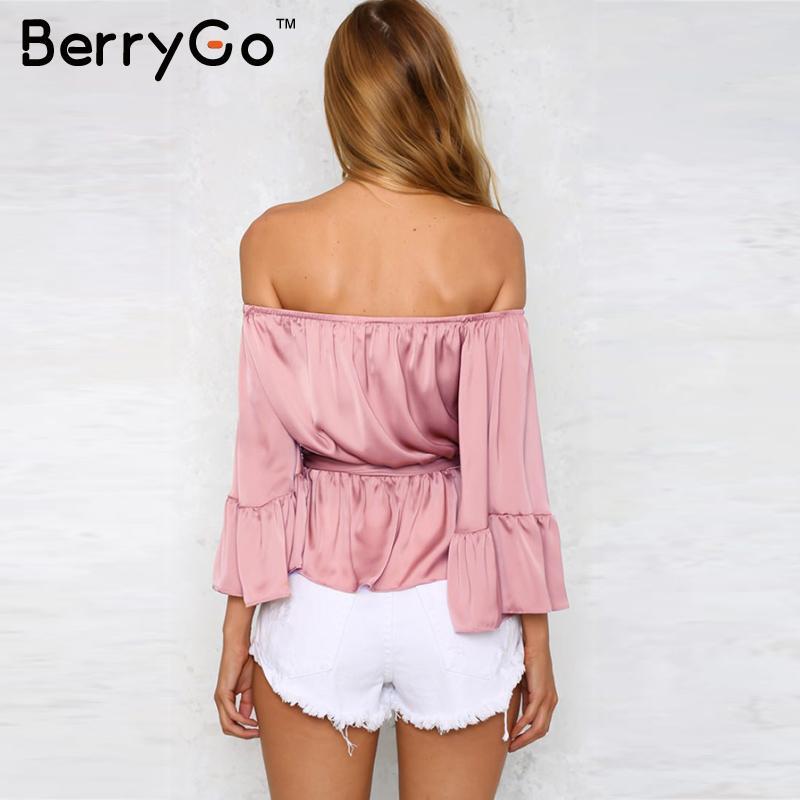 BerryGo Сексуальная с плеча рюшами атласная блузка рубашка Мягкий flare рукавом лук летние топы Элегантный глянцевый розовый женщины блузки blusas