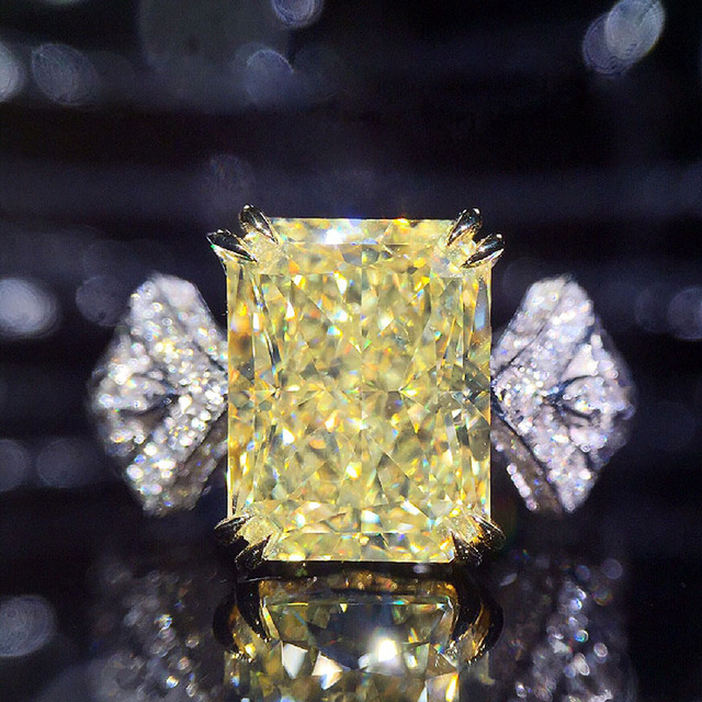 Solid 18K White Gold 1ct  Center Yellow Emerald Cut Side Stones  Moissanite Ring For Women Lab Diamond Ring Wedding Ring