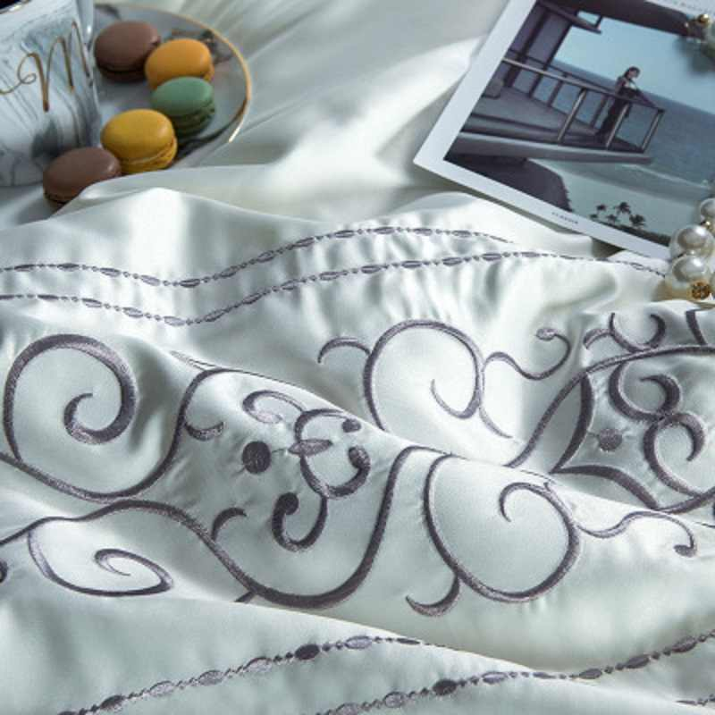 Abサイド固体刺繍入り寝具セット4ピース綿洗浄シルクベッドスプレッドクイーンキングサイズ13372 40 sベッドリネン
