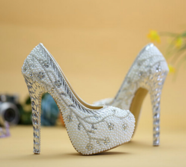 2016 Exclusive New Wedding Shoes White Pearl Crystal Bridal High Heeled