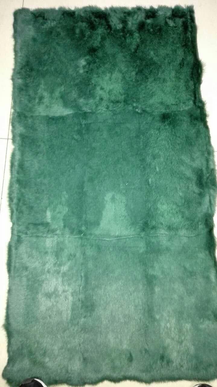 Piatto della pelliccia del coniglio genuino Tinta verde 50 CM   110 CM pezzo 5d0f8a25f19
