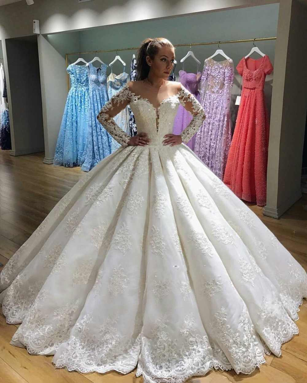 Newest Ball Gown Wedding Dresses 2019 Long Sleeve Vintage Lace Bride Dress Lace Up Back vestidos de noiva