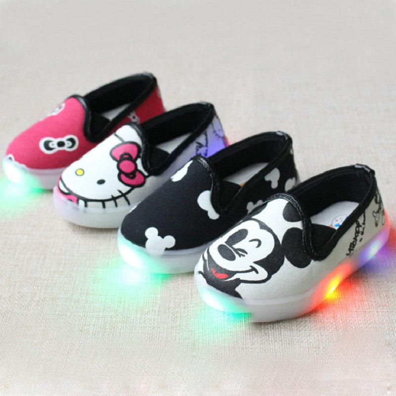 2017 niños entrenador niñas tenis niños Led zapatillas deportivas luz luminoso mickey carrtoon hello kitty bebé niños zapato