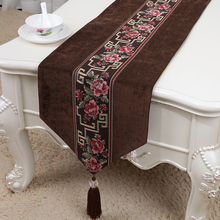 Latest Long Patchwork Lace Velvet Table Runner Wedding Christmas Banquet Cloth Rectangle Decorative High End Mat