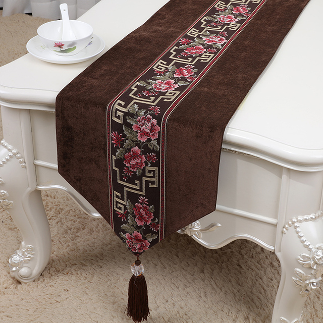 Latest Long Patchwork Lace Velvet Table Runner Wedding Christmas Banquet Cloth Rectangle Decorative High End