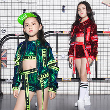 28186ef3c28db Niños Jazz danza trajes lentejuelas Top corto abrigo 3 unids niñas niños  calle danza Show ropa niños Hip Hop escenario baile tra.
