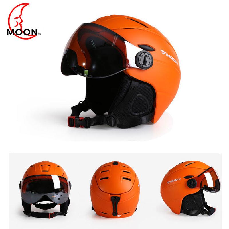 цена на MOON Ski Helmet Ultralight Integrally-molded High Quality Professional Snowboard Skateboard Helmet Men Women Multi Colors