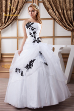 Bealegantom Sexy Fashion Black Appliques White Ball Gown Quinceanera Dresses 2017 Sweet 16 Vestido Debutante Gowns BQ0-6