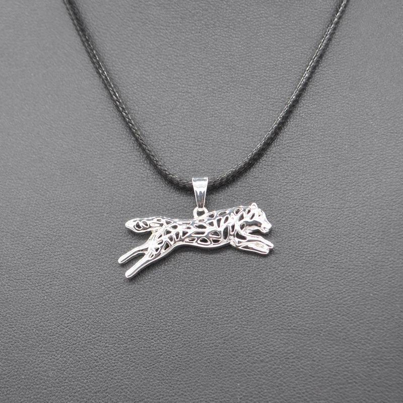 2018 Hot Sale Rope Chain Women Leaping Siberian Husky Necklaces Silver Running Dog Pendant Necklaces For Lovers Drop Shipping