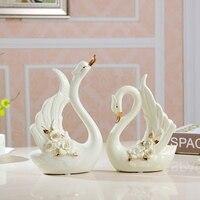 European Style Swans Home Decoration Elegant Floral a Pair of Swan Romantic Wedding Crafts Exquisite Carving Ceramic Figurine