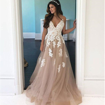 Sexy V Neckline Lace Appliques Wedding Dresses A Line Spaghetti Strap Champagne Tulle Ivory Appliques Floor Length Bridal Dress фото