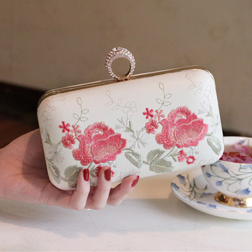 2017 Day font b Clutch b font Evening Banquet bag dress formal cheongsam bag peony embroidered