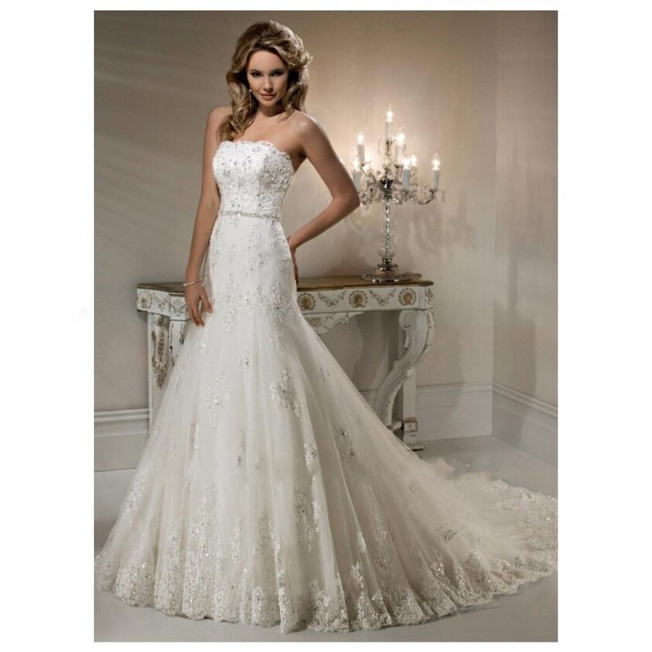 Платье без бретелек с кружевом