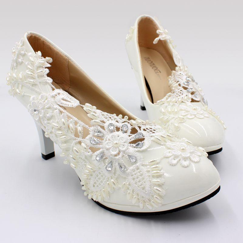 2019 nouvelle conception ivoire dentelle perles femmes chaussures de mariage haut 8 CM talon plates-formes sans lacet perles élégantes pompes de mariée chaussure NQ191