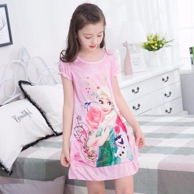 3d6eb48378 Princesa camisones Verano de manga corta imprimir hielo seda punto pijamas niños  niña camisón. Sitúa el cursor encima para ...