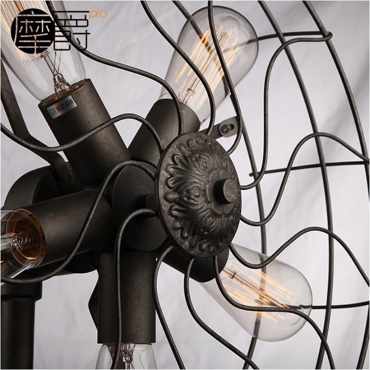 Floor Tripod Lamps in a Fan Visual 185cm Height