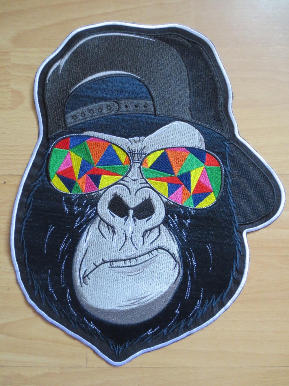 13,6 palců Gorilla na sobě velké vyšívané nášivky na - Umění, řemesla a šití