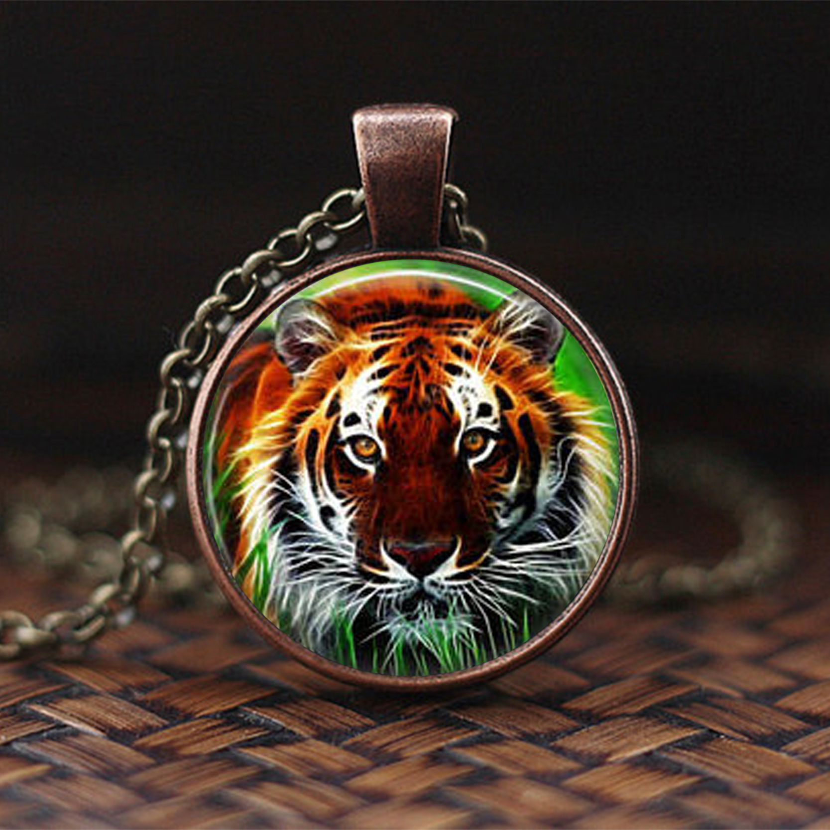 2019 New Fashion Rhinoceros Pendant Necklace Wild Animal Jewelry Tiger Photo Glass Cabochon Choker Necklace Jewelry for Women