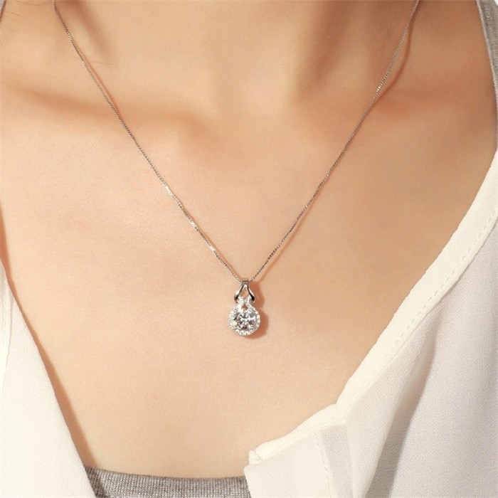 diamond solitaire canadian necklace pear canadiandiamond lugaro pearshape carat shape collections