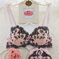 2017 nueva llegada de la alta calidad del algodón del arco flores bordadas push up taza AB sujetador conjunto de lencería sexy conjunto de ropa interior sujetador blanco Rosa