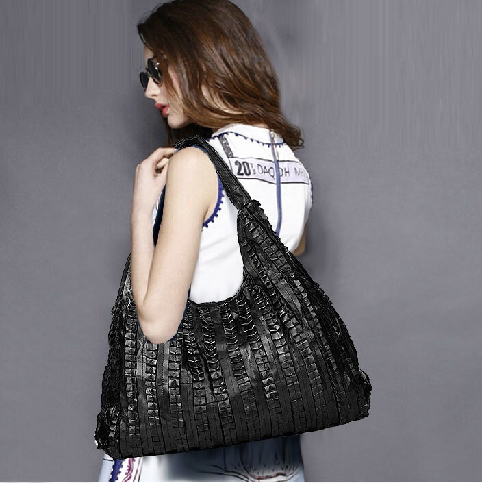 Sheepskin splicing Women s Shoulder bag large ladies handbag Genuine  leather Hobos bag black Women Handbags Totes messenger bags-in Shoulder Bags  from ... da35c427f7475