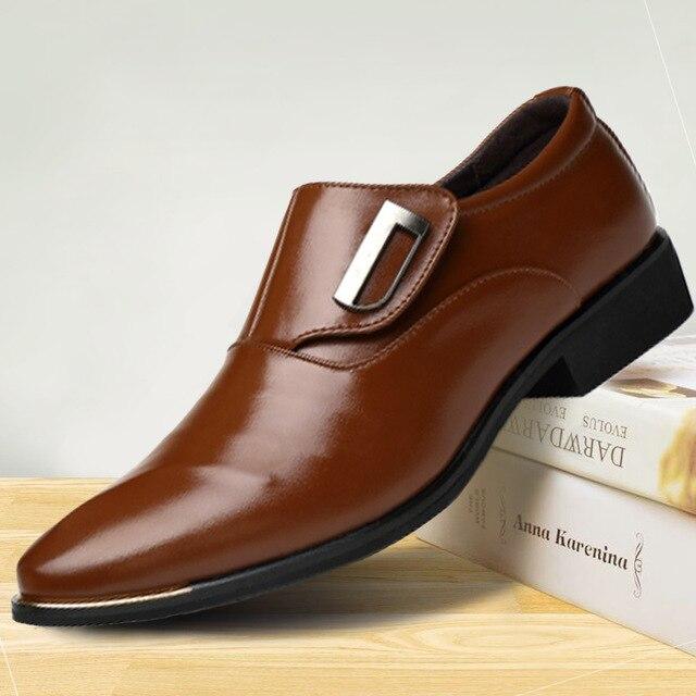 528b0f5fd0 Sapatas Dos Homens Da Marca de luxo Inglaterra Tendência de Lazer Sapatos  de Couro Respirável Para