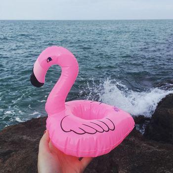 Letni basen pływający nadmuchiwany uchwyt Flamingo kubki na napoje wodne plaża telefon komórkowy kubek pielęgnacja pływający rząd tanie i dobre opinie Syeendy WOMEN Can Holder Inflatable Drink Can Holder pool float Swimming Toypedo Bandits pool float drink holder Kids Adults pool toys kids