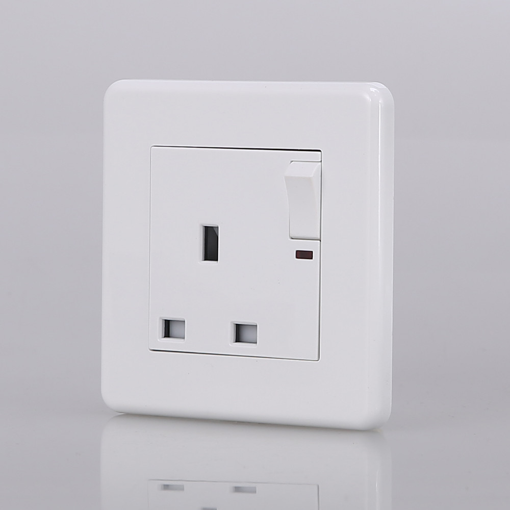 Factory Price Wall Power Switched Socket With Neon, 13A UK Standard ...
