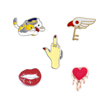 Sexy Lip Heart Gesture Angel Wing Cute Cat Brooch Pins Vintage Style Jacket Collar Hat Bag Decoration Enamel Girl Women Brooches