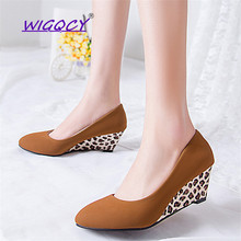 купить High Heels Women Wedge Round Toe Heels Shoes Leopard High Heels Office Ladies Black Suede Pumps Spring Autumn Shallow Shoes по цене 708.63 рублей