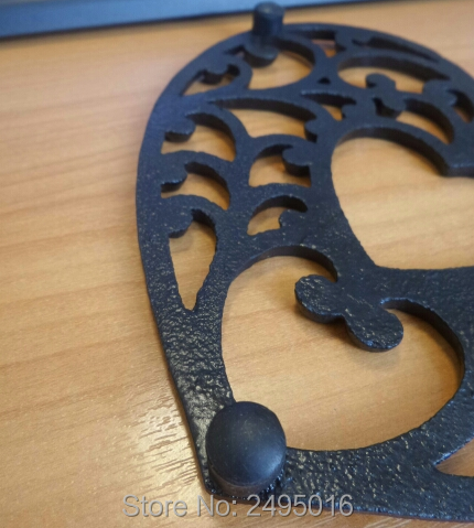 cast iron mat Decorative Cast Iron Trivet For Kitchen Or Dining Table with Heart shaped in Mats Pads from Home Garden