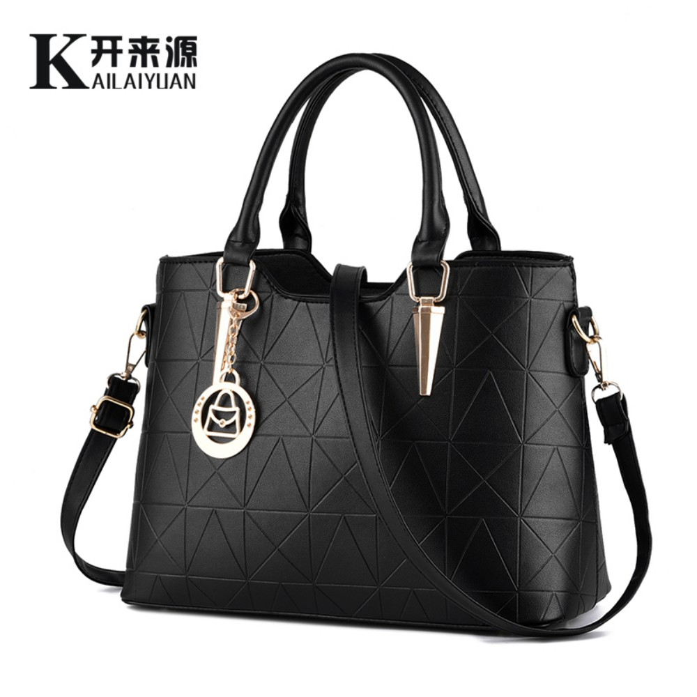 100 Genuine leather Women handbags 2019 New sweet lady temperament female bag fashion handbags Shoulder Messenger Handbag in Top Handle Bags from Luggage Bags
