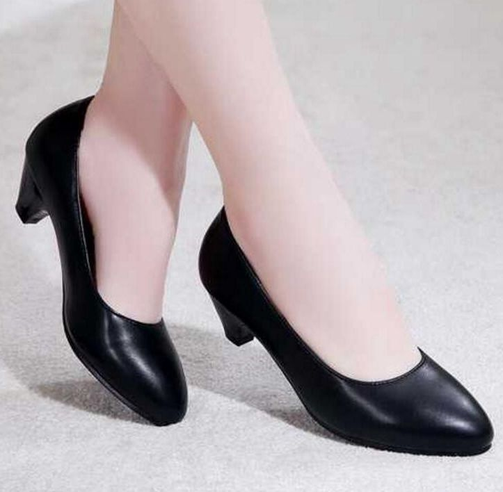 Genuine leather black color classic office career pumps shoes woman SZ020 low heel female women shoes plus size 41 42 43 aiyuqi 2018 spring new women s genuine leather shoes waterproof platform sexy plus size 41 42 43 fashion heel shoes female