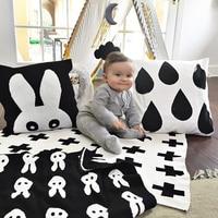 ผ้าห่มทารกสีดำสีขาวกระต่ายน่ารักหงส์ข้ามถักลายสก๊อตสำหรับเตียงโซฟาCobertores Mantasผ้าคลุมเตียงผ้...