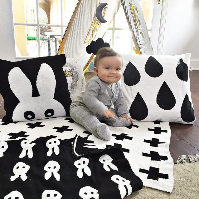 Baby Blanket Black White Cute Rabbit Swan Cross Knitted Plaid For Bed Sofa Cobertores Mantas BedSpread Bath Towels Play Mat Gift