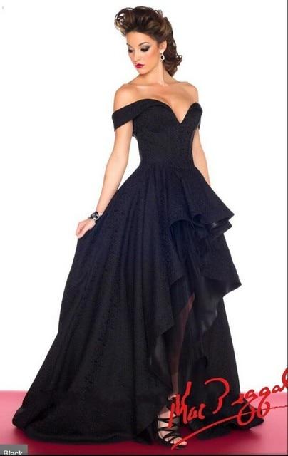 Vestido negro largo con encaje arriba