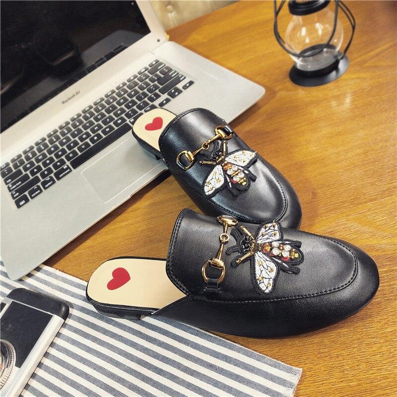 PHYANIC 2018 Для женщин Весна снаружи тапочки круглый носок Слипоны женские Шлёпанцы обувь мода металлической пряжкой шлепанцы