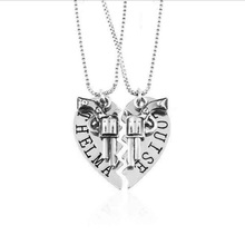 Hot Selling Etro Revolver Pendants Jewelry Best Friends set of chain Thelma Louise / Bonnie Clyde 2pcs/set Broken Heart Necklace