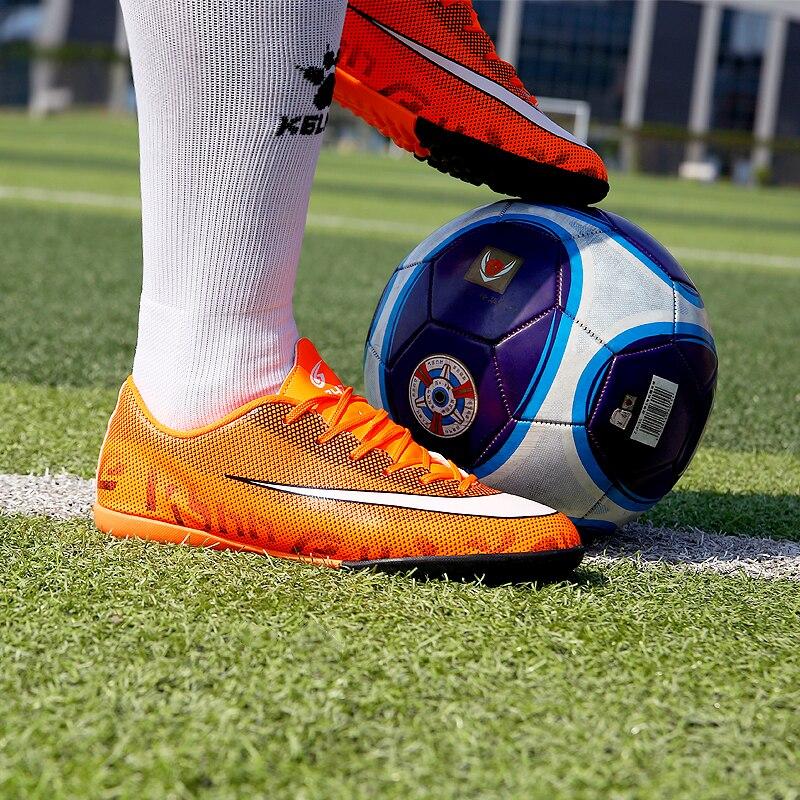 a09eb1b248 Zhenzu centopéia Adulto Homens Turf Indoor futsal sapatos de futebol para  meninos botas de Futebol Chuteiras crampons pé criança em Sapatos de futebol  de ...