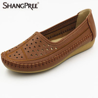 2017 Women Flats Leather Shoes Mother Non Slip Soft Leisure Boat Shoes Female Flats Driving Women