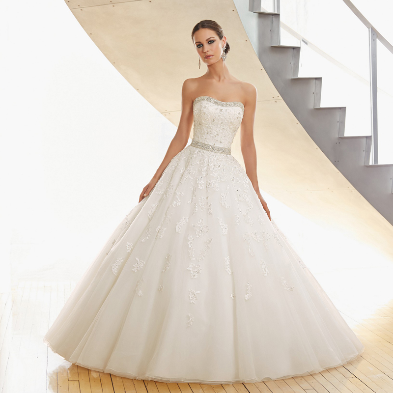 Hot Selling Strapless Bridal Gown With Crystal Beading