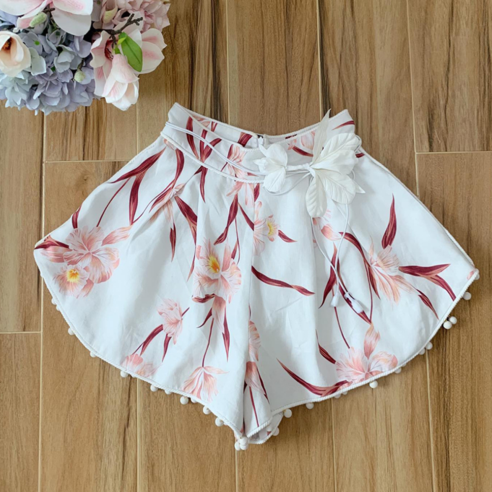 Red RoosaRose 2019 New High-end Summer Designer Sexy Shorts Women Print Balls High Waist White Shorts With Flower Sashes