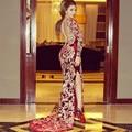 Borgoña red carpet Vestidos de La Celebridad 2016 Abiye Larga Sheer Volver Apliques de Encaje Vestidos de Noche Lateral de Split Árabe Dubai Kaftan