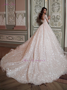 Image 2 - Julia Kui Vintage Princess Scalloped Neck Ball Gown Wedding Dresses With Chapel Train Sending Petticoat Gift