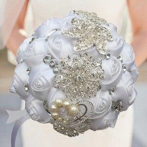 Image 3 - WIFELAI A Artificiale Bouquet da Sposa Fatto a Mano Del Fiore Del Rhinestone Della Damigella Donore di Cristallo da Sposa da Sposa Bouquet De Mariage W228