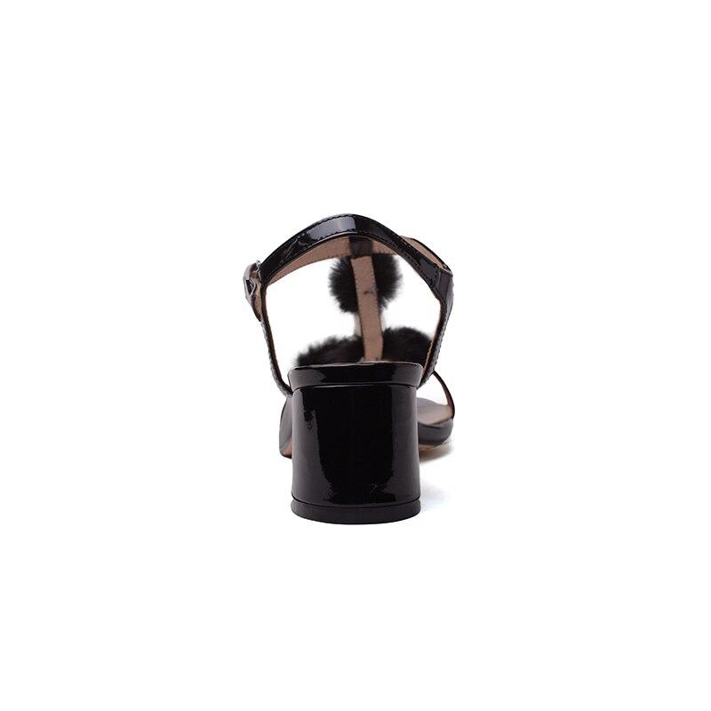 En Cuir Chaussures Fourrure Véritable Beige noir Mode De Hauts Top Perles Femmes Qualité Talons Pompes D'été 2018 Boucle Kcenid Sangle Partie Sandales Vison qAptI
