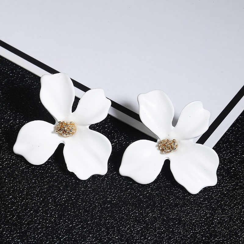Серьги-гвоздики в Корейском стиле с милым цветком для женщин 2018 новые модные красивые серьги Femme Brinco Оптовая продажа ювелирных изделий