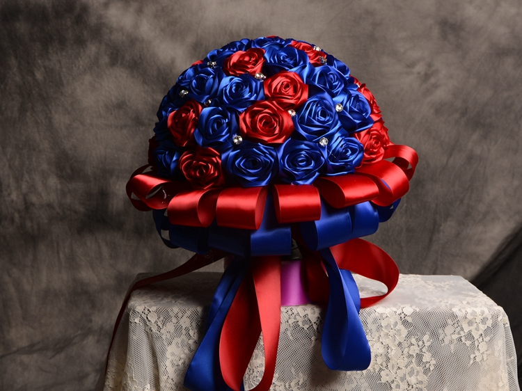 Купить с кэшбэком Hand made Satin Ribbon Rose 2017 Wedding flowers Blue&Red Bridesmaid Bridal Bouquets artificial 3D Rose Wedding Bouquet Rose